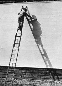 André Kertesz : « Painting his shadow »