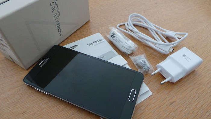 Smartphone : Samsung Galaxy Note 4 - Contenu de la boite