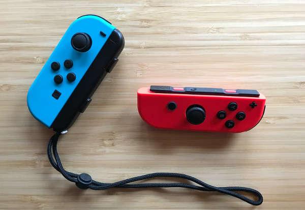 Nintendo Switch : les Joy-con rouge et bleu néon