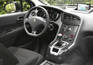 Photo : Peugeot 5008 style Allure - Siège conducteur, tableau de bord